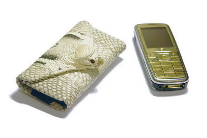 MJ Mobile Case Leather Snake Cobra with Gold Phone